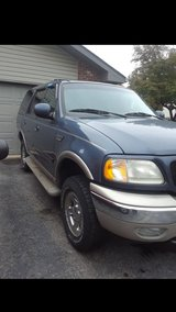 2000 expedition in Plainfield, Illinois