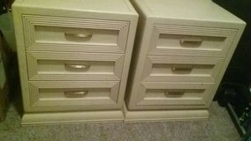 cream 3 draw night stands good condition in Oklahoma City, Oklahoma