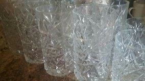 #13 pc drinking glasses #8 taller#5 smaller size no chips good heavy glasses in Oklahoma City, Oklahoma