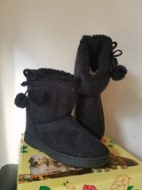 Girl's Winter boots in Alamogordo, New Mexico