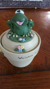 Candle Keepsake with Frog in Orland Park, Illinois
