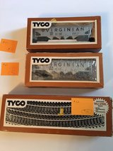 2 Vintage HO-Scale Train Cars Lot C in Plainfield, Illinois