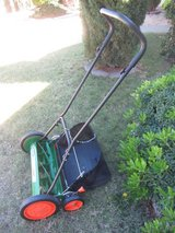"Scotts 20"" push reel mower w/grass catcher bag (almost new) in El Paso, Texas"