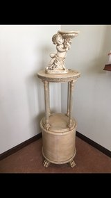 Antique Round French Claw Foot Plant or Lamp or Statue Table in Algonquin, Illinois