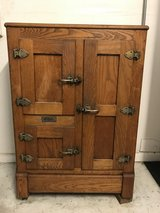 GIBSON - Antique Oak Ice Box - NEW PRICE in Chicago, Illinois
