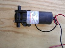 For sale live well air pump in Fort Leonard Wood, Missouri