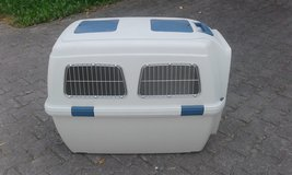 dog carrier in Grafenwoehr, GE