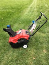 TORO POWER CLEAR SNOWBLOWER WITH MANUAL READY TO WORK in Sandwich, Illinois