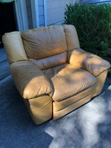 Large Quality Leather Recliner in Kingwood, Texas