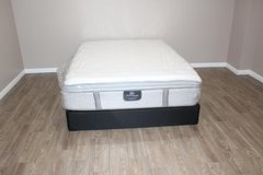 Queen size mattress - Serta perfect sleeper Ridgemont model pillowtop in Kingwood, Texas
