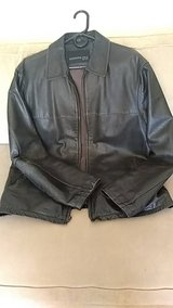 Kenneth Cole leather jacket size L in Quad Cities, Iowa
