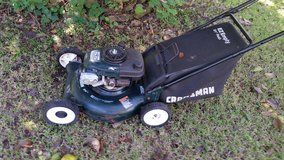 Craftsman 21 in push mower in Alvin, Texas