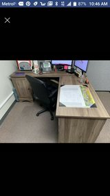 Nice L shaped desk in Travis AFB, California