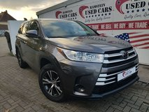 2017 Toyota Highlander LE Plus AWD – 8 Passenger Seating in Ramstein, Germany