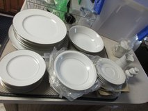 37 Piece Set Mystique by Celebrity Fine China Excellent Condition in Warner Robins, Georgia