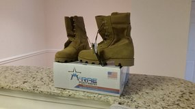 New in box Combat Boots size 8.5 R in Fort Bragg, North Carolina