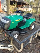 "38"" weed eater riding mower in Fort Leonard Wood, Missouri"