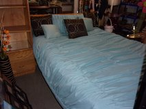 Queen Size Comforter and Three Pillows Set in Fort Riley, Kansas