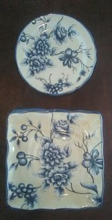 Floral Dinner Plates in Yucca Valley, California