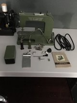ELNA GRASSHOPPER SEWING MACHINE (rare) in Kingwood, Texas