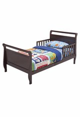 Toddler Bed Frame ***Priced to Sale in Quantico, Virginia