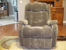 FlexSteel Rocker/Recliner in Todd County, Kentucky