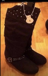 Girls size 4 black boots NWT in Fort Campbell, Kentucky