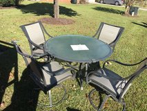 Beautiful 5 piece patio furniture set in Warner Robins, Georgia