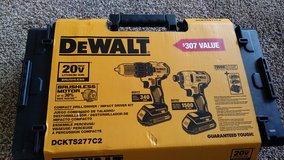 20 volt Dewalt drill kit in Macon, Georgia