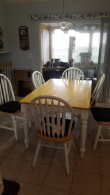 Kitchen Table and 6 Chairs in Oswego, Illinois