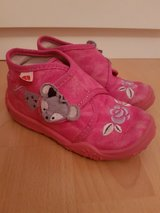 Girls house shoes size EU  24  US 7.5 Elefanten in Ramstein, Germany
