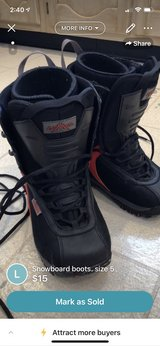 Snowboard boots - size 5 in Naperville, Illinois