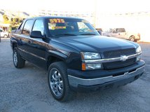 2004 CHEVY AVALANCHE 1500 CREW CAB  5.3L V8 2WD ' LOADED ' ......$5975 in Yucca Valley, California