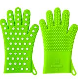 NEW Silicone Polka Dot Oven Mitts in Travis AFB, California