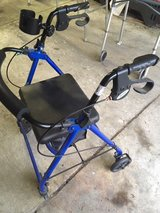 *** 4 WHEEL WALKER with Rear Brakes, Storage Seat and Cup Holder *** VERY GOOD CONDITION in Tacoma, Washington