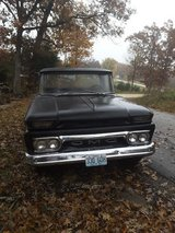 1962 GMC pickup in Fort Leonard Wood, Missouri