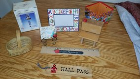 Desk Decor Set in Orland Park, Illinois