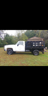 Flat bed with sides and hoist ( BED ONLY ) in Clarksville, Tennessee