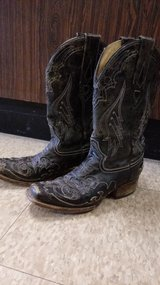 Women's Corral Boots SZ8 in Cleveland, Texas