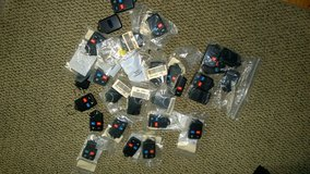 27 NO LOGO OEM ENTRY TRANSMITTERS FOR FORDS in Orland Park, Illinois