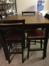 Dining table & chairs in Nellis AFB, Nevada