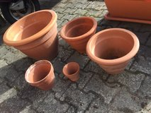 3 large terracotta pots + 2 small ones in Ramstein, Germany