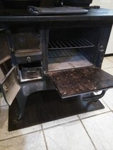 VINTAGE WOOD/COAL BURNING STOVE in Kingwood, Texas