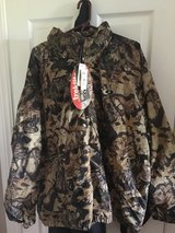 Mossy Oak New With Tags Jacket 2XL in Camp Lejeune, North Carolina