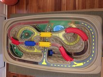 Step 2 Deluxe Canyon train and track table with lid in DeKalb, Illinois