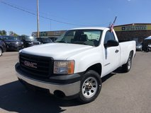 2007 GMC SIERRA 1500 REGULAR CAB SLE PICKUP 2D 8 ft Ft V8, 5.3 Liter in Fort Campbell, Kentucky