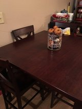 Square kitchen table + chairs in Hopkinsville, Kentucky