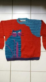 Pullover with cat in Ramstein, Germany