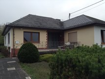 Bungalow 4 rent, 2 x fully bath, 2 bed, backyard, double garage near A60 in Spangdahlem, Germany