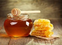 Raw Honey in Sandwich, Illinois